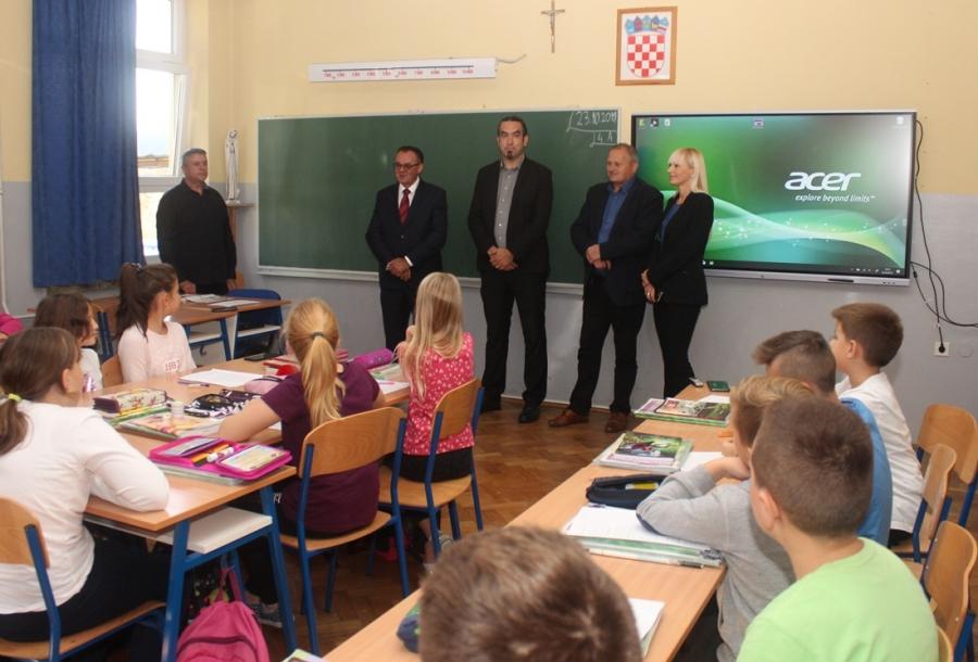 Obraćanje župana povodom povratka učenika u školu