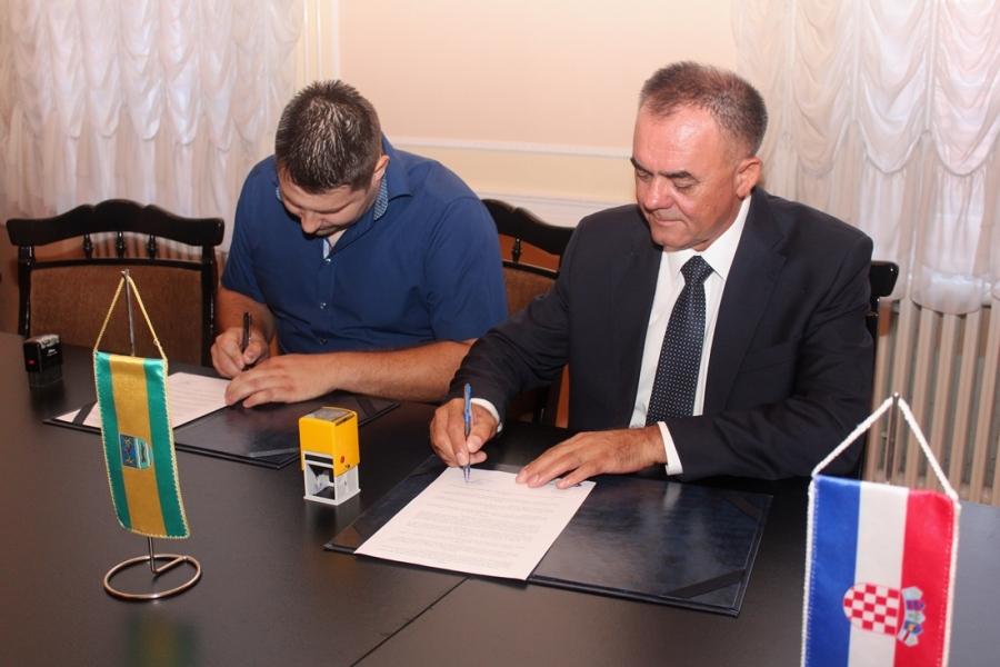 """Potpisivanje ugovora za provedbu projekta """"Razvoj cikloturizma Požeško-slavonske županije, III. faza"""""""