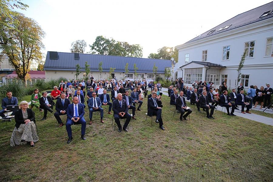 Predsjednik Vlade RH Andrej Plenković na svečanoj sjednici Županijske skupštine: Nastavljamo ulagati u bolju prometnu povezanost Virovitičko-podravske županije