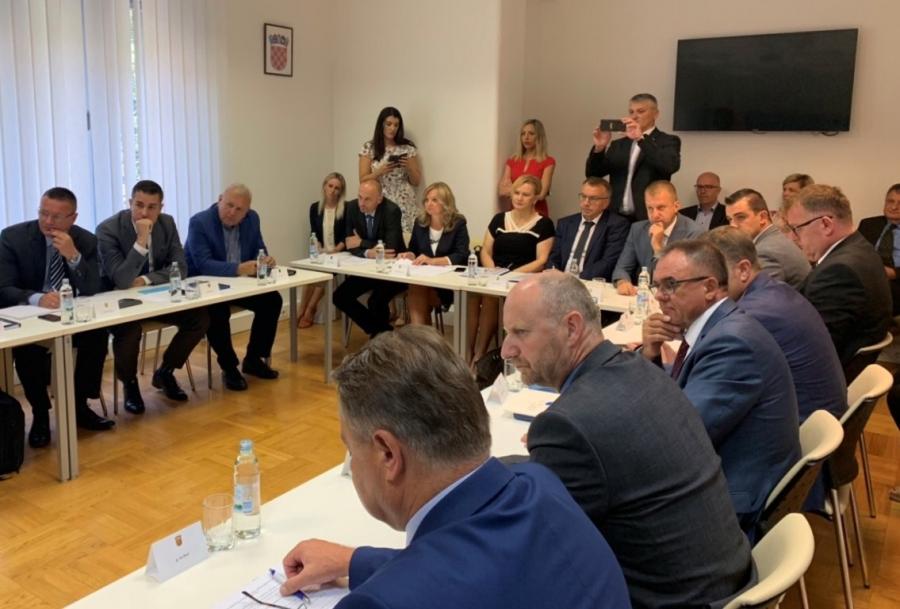 Ministar Mario Banožić održao sastanak sa županima