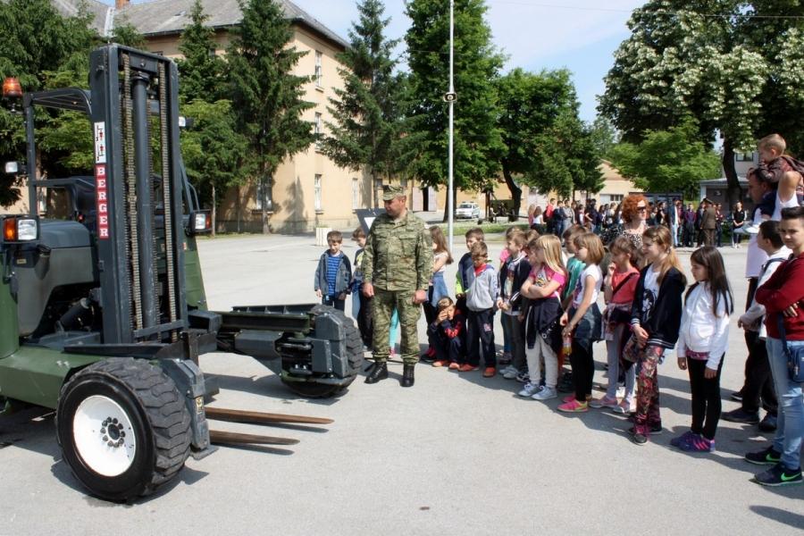 Dan otvorenih vrata vojarne 123. brigade Hrvatske vojske