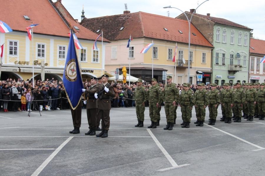 Nakon 28 godina održana prisega ročnika na trgu u Požegi
