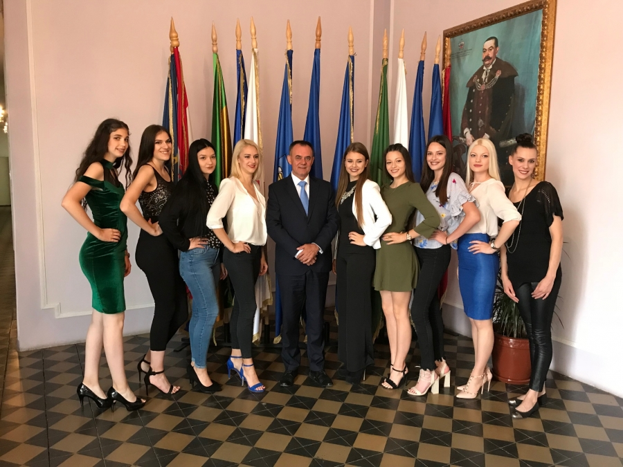 Župan primio finalistice Izbora za Miss Požeško - slavonske županije