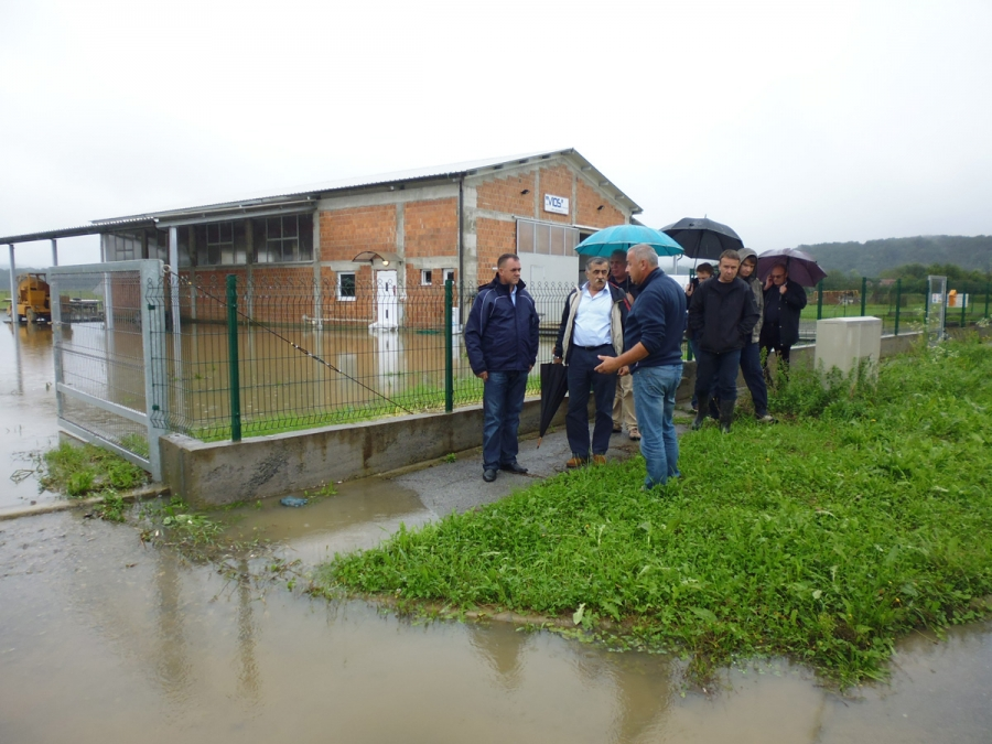 Nakon cijelonoćnog i jutarnjeg obilaska poplavljenih područja župan Tomašević sazvao Krizni stožer