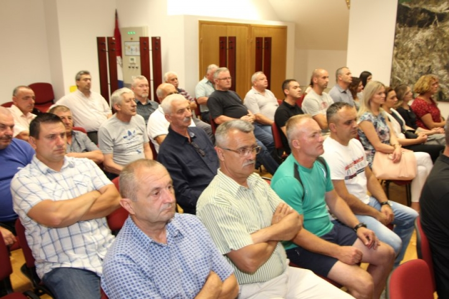 Održana javna tribina na temu načina na koji se procesuiraju hrvatski branitelji