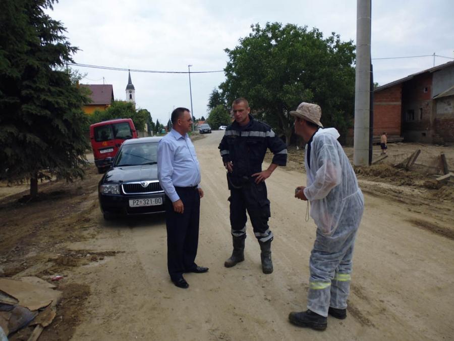 Župan posjetio naše vatrogasce na poplavljenom području
