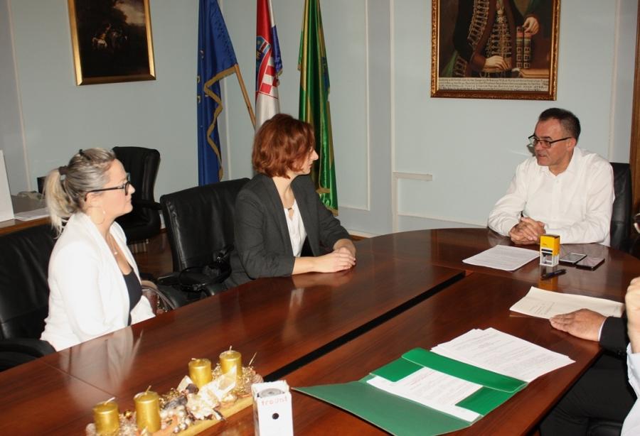 Župan potpisao kolektivni ugovor s predsjednicom Sindikata DLSNRH