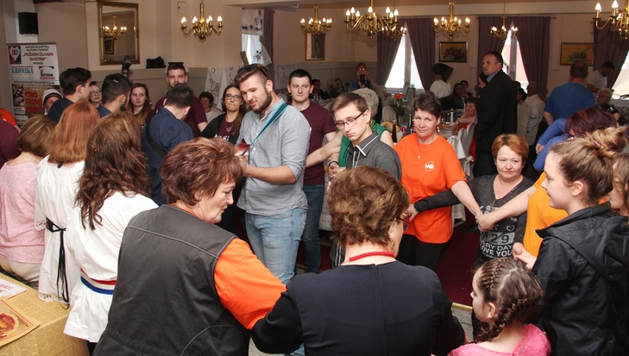 6. Sarmijada u Požegi okupila rekordan broj natjecatelja