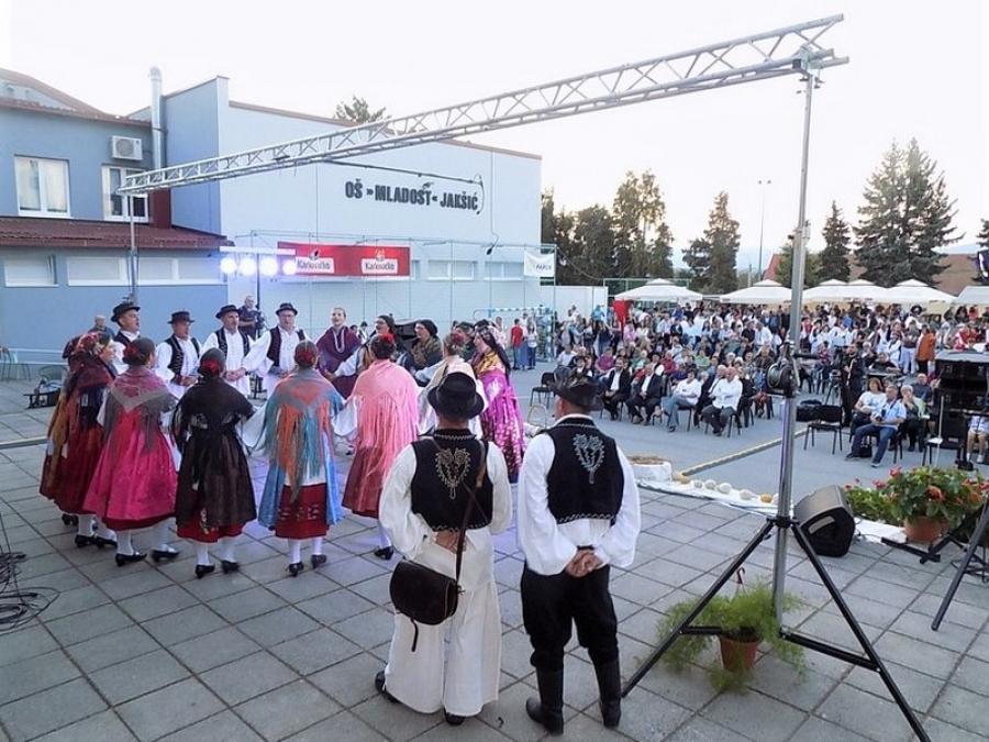 """Održana tradicionalna Smotra folklora """"Pjesmom u jesen"""""""