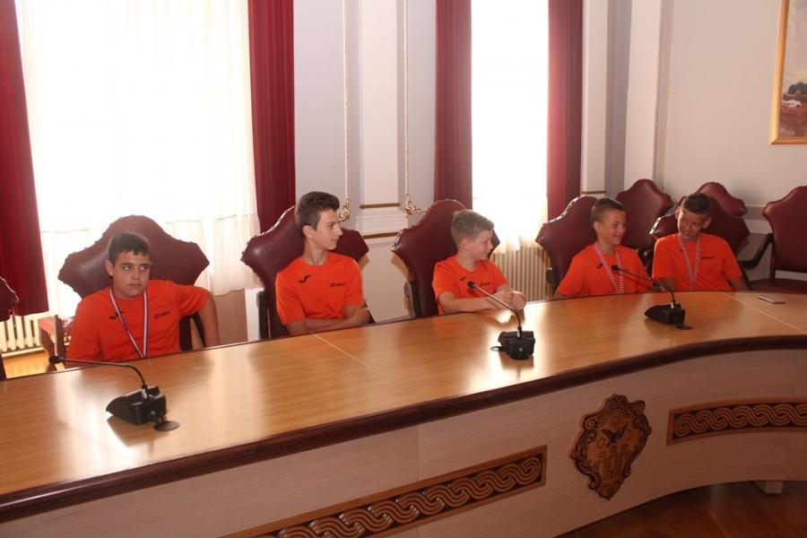 """Članovi Kuglačkog kluba """"Obrtnik"""" na prijemu u Županiji"""