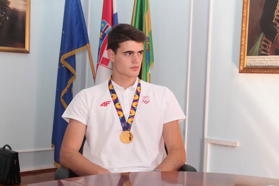 Župan ugostio zlatnog rukometaša Mislava Obradovića