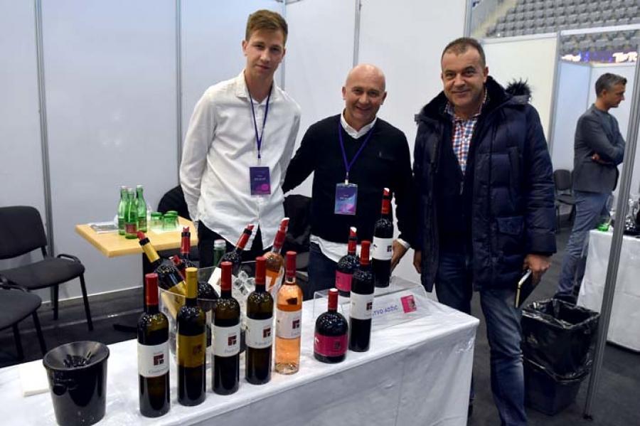 Deset vinara iz Požeško-slavonske županije izlagalo na osječkom Sajmu vina i gastronomije
