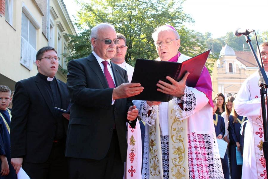 Otvorena nova zgrada Katoličke škole u Požegi