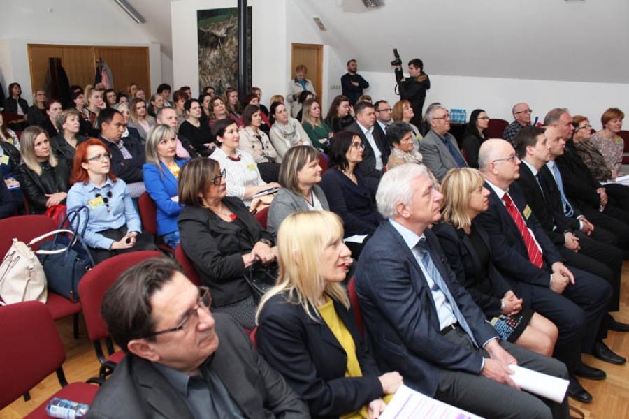 U Požegi se održava prva regionalna konferencija o Alzheimerovoj demenciji