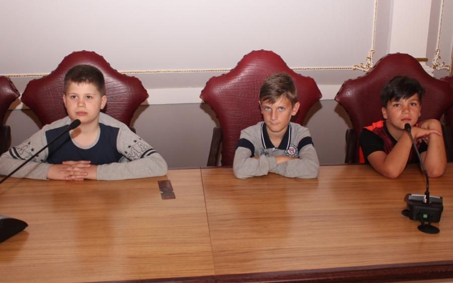 Učenici trećeg razreda osnovne škole iz Brestovca u posjetu Županiji