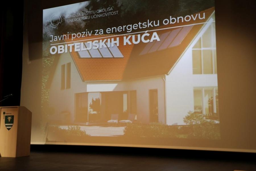 Brojni sudionici na radionici o energetskoj obnovi kuća održanoj u Pleternici