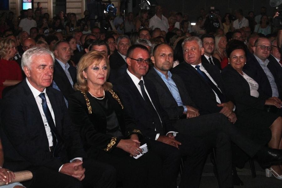"""Retrospektivna večer Aurea Festa """"Pjevat će Slavonija"""""""