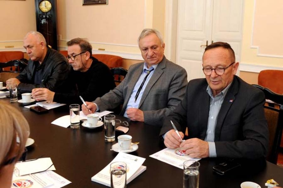 Sastanak predsjednika Podružnica Regije Istok Udruge veterana i dragovoljaca Domovinskog rata Regije Istok sa županom