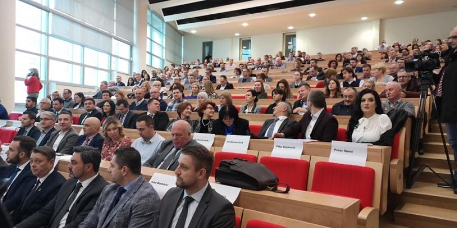 """U Osijeku održani """"Dani poslova u turizmu"""" i """"Regionalna konferencija tržišta rada Slavonije, Baranje i Srijema"""""""