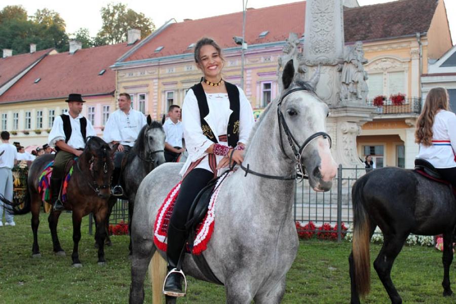 Svečanom povorkom otvoren Aurea fest Požega