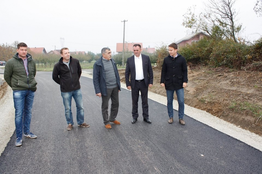 Župan obišao radove na modernizaciji ceste u Mitrovcu