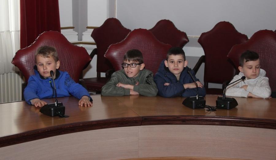 Učenici Područne škole Vidovci u posjetu Županiji