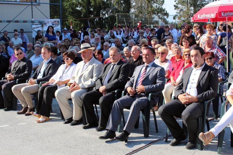 Održana smotra folklora u Jakšiću