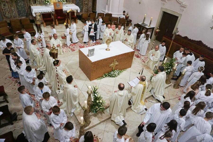 Svetkovina Tijelova u Katedrali sv. Terezije Avilske