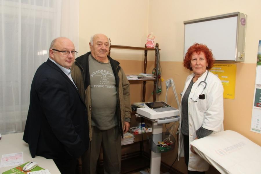 Mato Veić donirao novi EKG za ambulantu Čaglin
