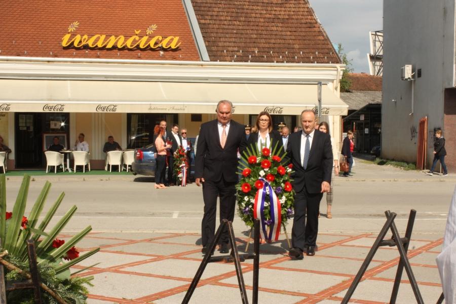 Polaganje vijenaca povodom obilježavanja Dana državnosti