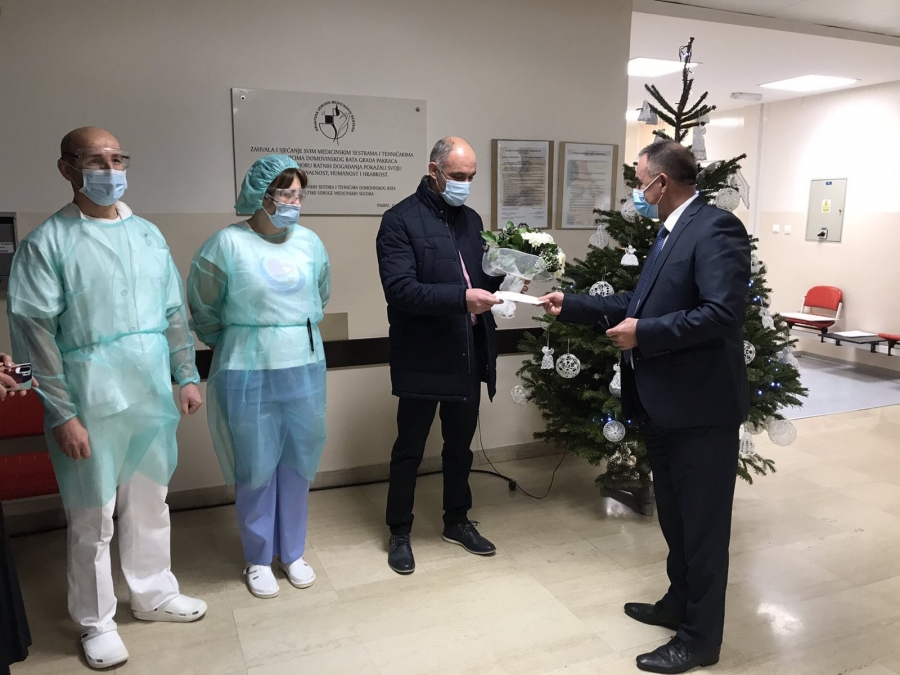 Župan darivao prve ovogodišnje bebe u Požeško-slavonskoj županiji