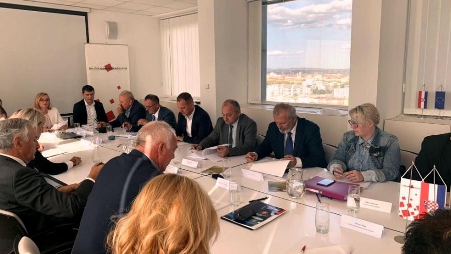 Održan sastanak povodom donošenja novog Zakona o vatrogastvu te povjeravanja poslova ureda državne uprave županijama