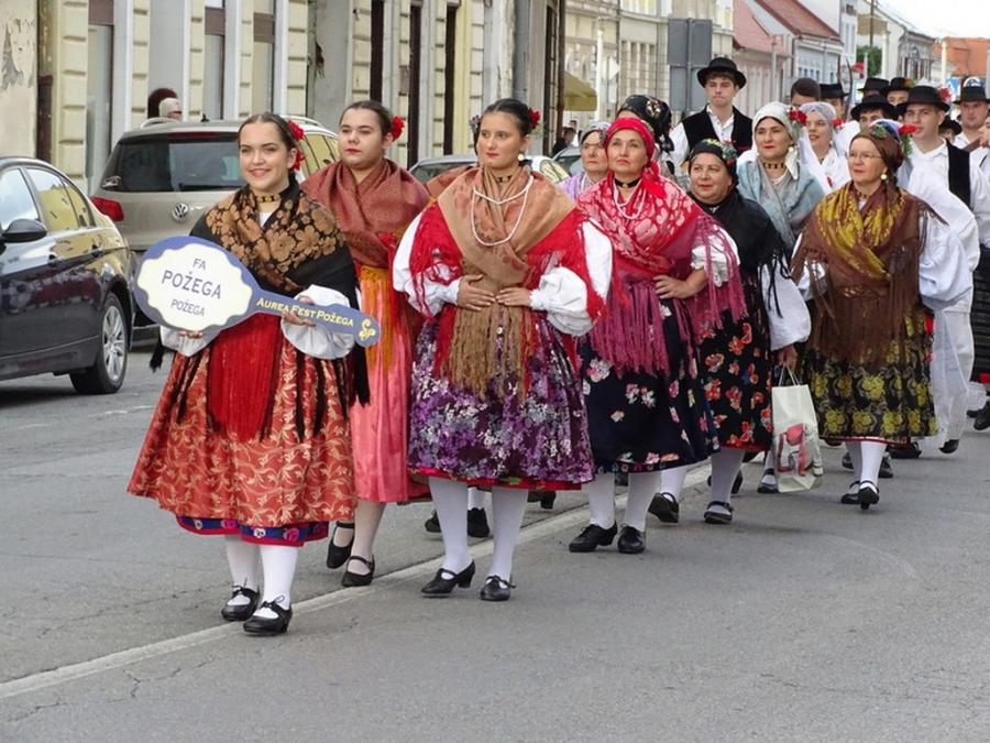Festivalom običaja i kulturne baštine otvoren Aurea fest