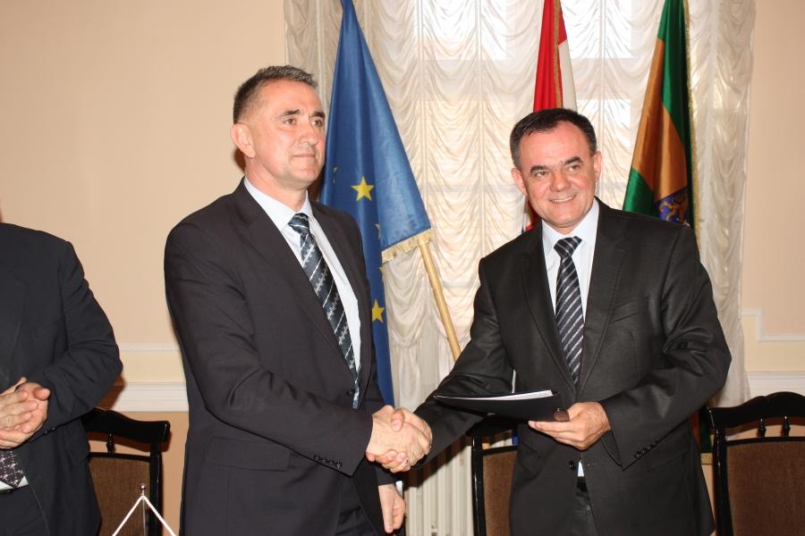 Potpisan Sporazum o poslovnoj suradnji sa Prehrambeno - tehnološkim i Poljoprivrednim fakultetom iz Osijeka