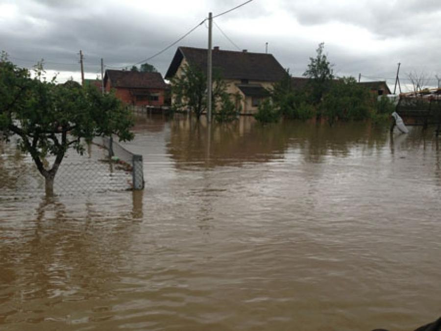 Župan Tomašević cijelu noć i jutro u obilasku poplavom ugroženih područja