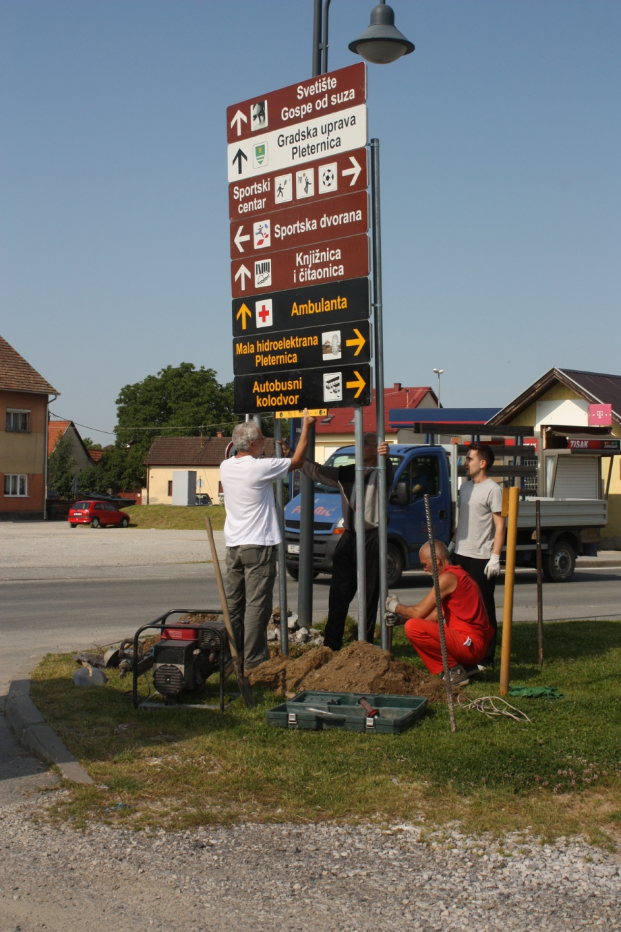 Postavljanje smeđe turističke signalizacije u Pleternici