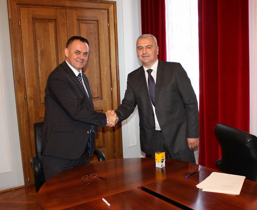 Župan potpisao kolektivni ugovor sa predstavnicima sindikata