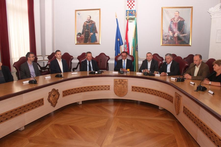 Potpisan Ugovor o kupnji dvorca u Trenkovu